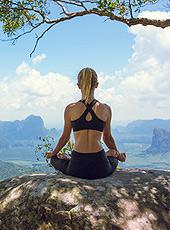 Welt-Yoga-Tag im Juni - Machen Sie mit bei unserem Gewinnspiel! (© Glebstock − Fotolia.com)