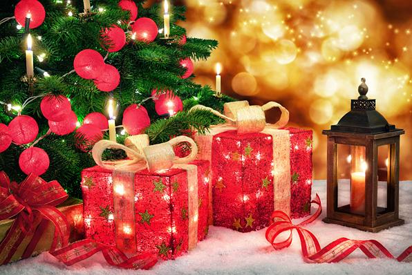Der GST-Entspannungs-Shop von Dr. Arnd Stein wünscht Ihnen Frohe Weihnachten und einen Guten Rutsch ins neue Jahr! (Foto: © Smileus - Fotolia.com)